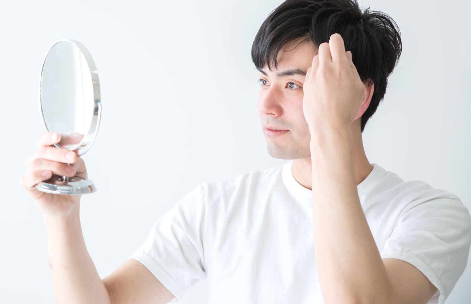 AGA(男性型脱毛症)の原因とは…?【AGA基礎知識】